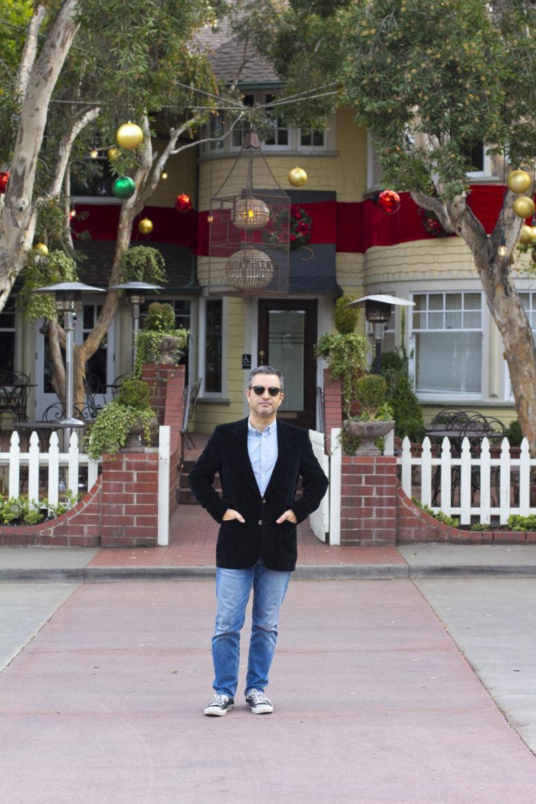 a menswear blog for the perfect dressing style for men's black velvet jacket