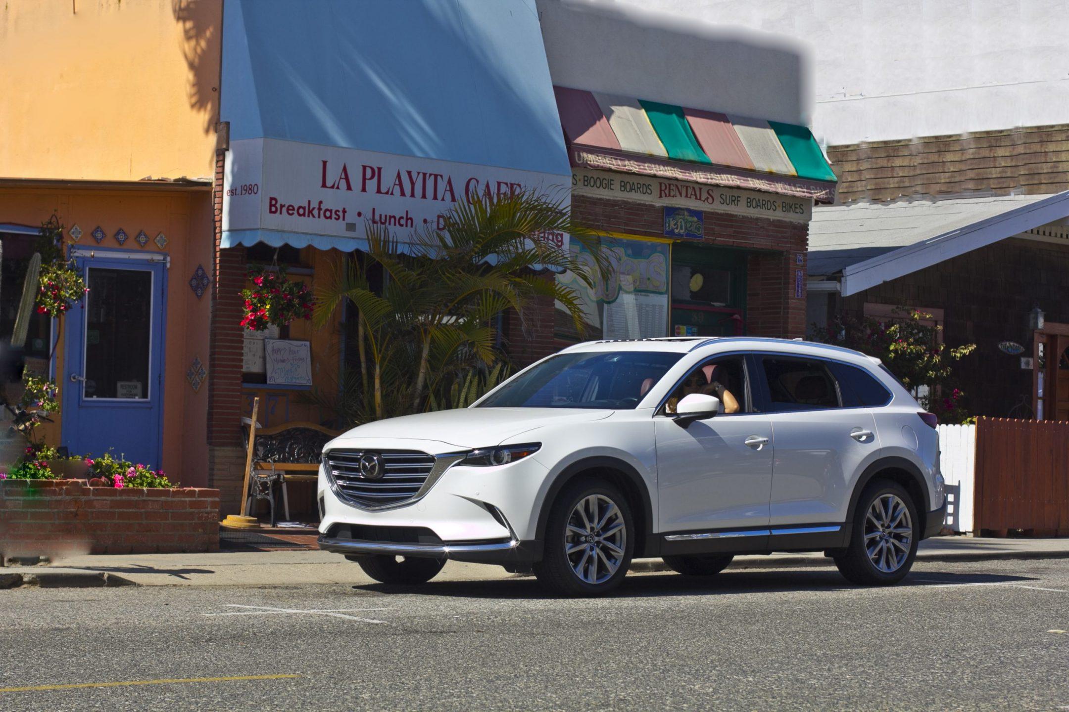 Food blogger in a Mazda CX-9 signature