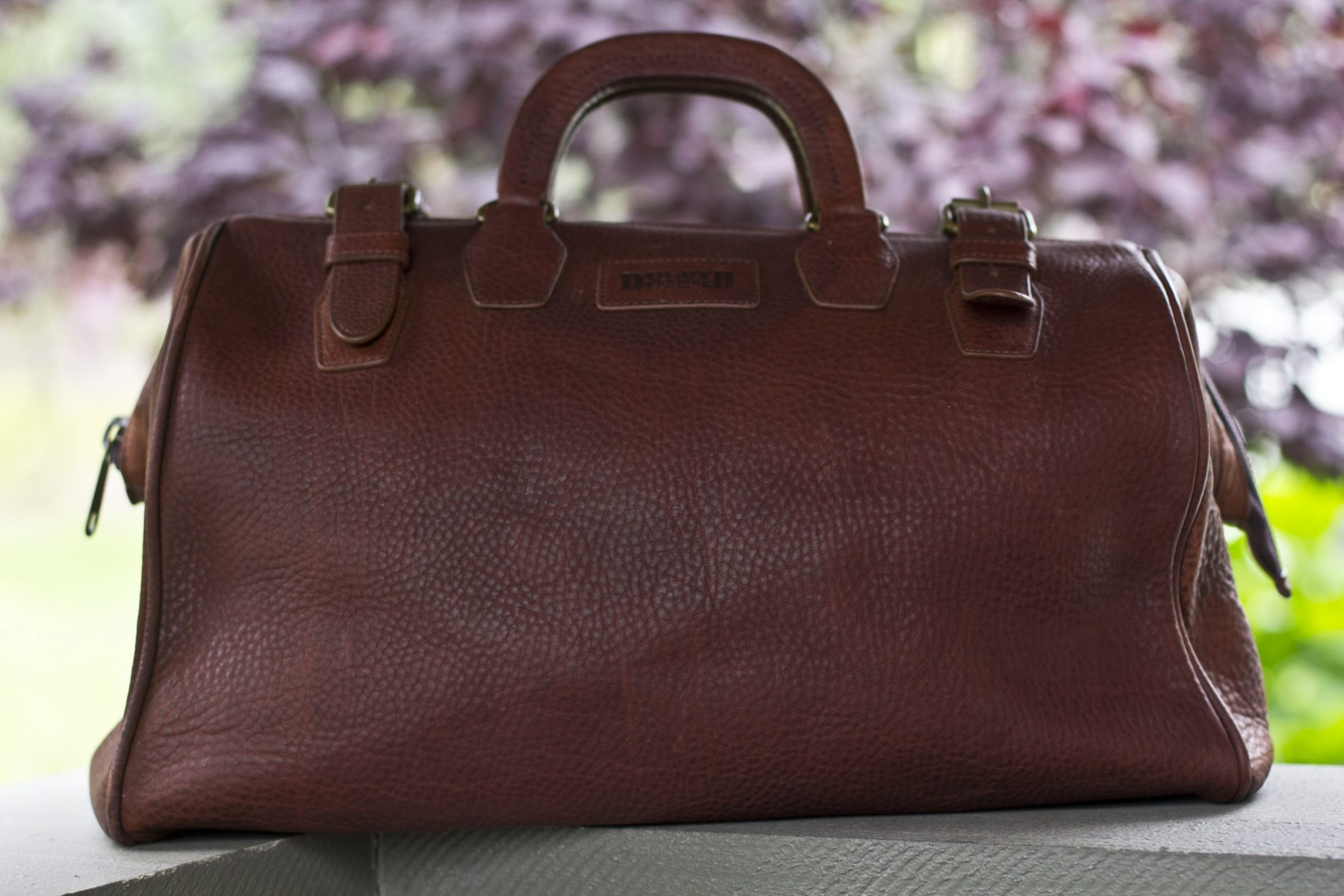 Father's Day gift guide Duluth Trading Co. Awol weekender bag