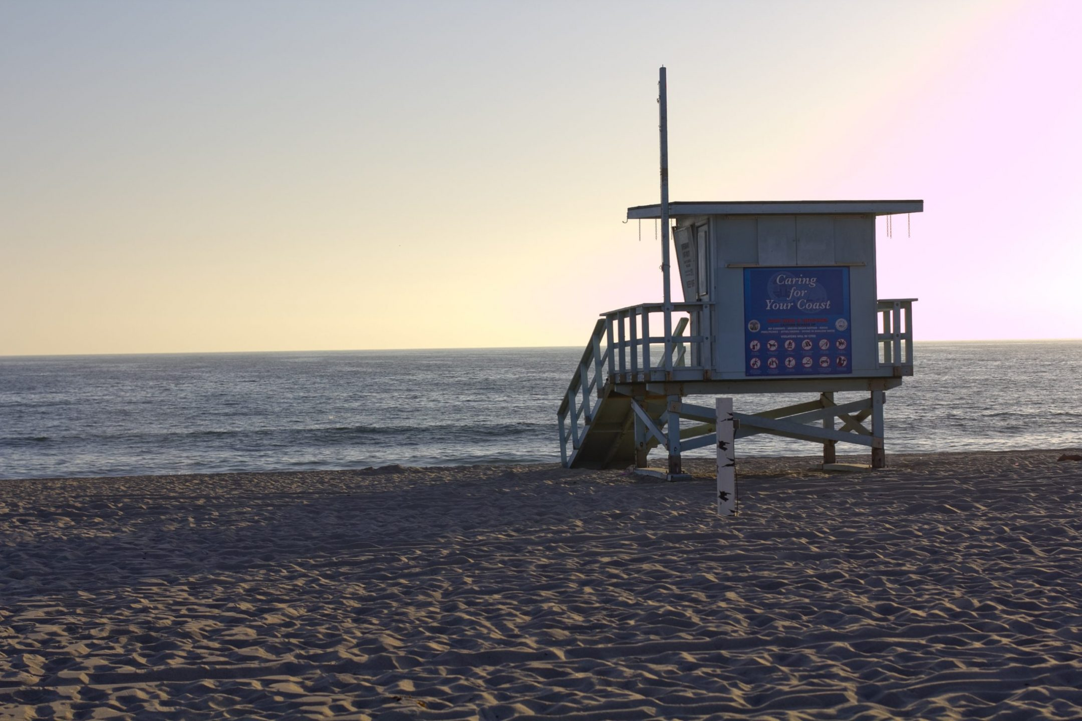 hermosa beach lifeguard house in spring