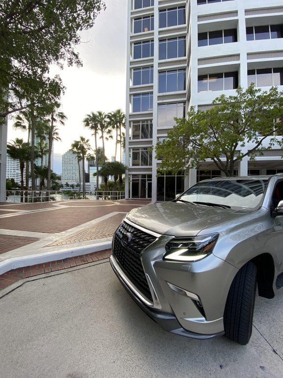 Lexus-GX-460-Luxury-front-top-1080