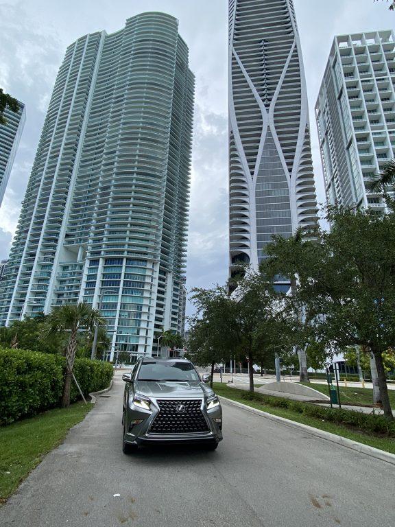 Lexus-GX-460-Luxury-front-view-1080