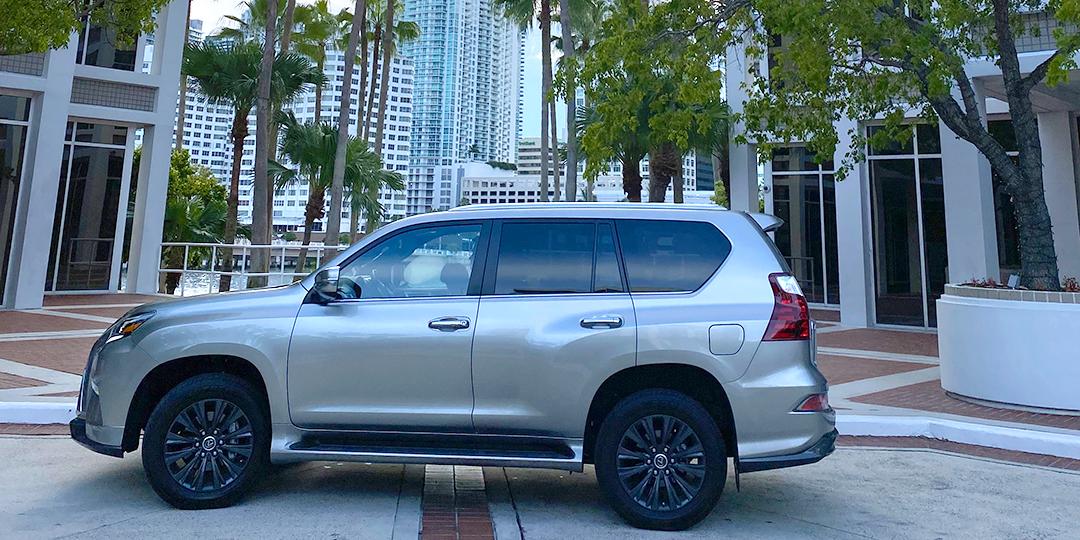 Lexus-GX-460-Luxury-wide-side-wide